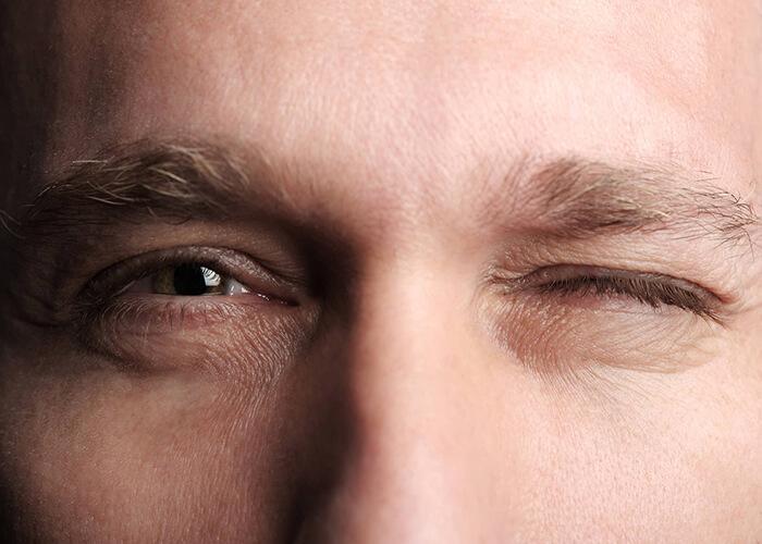 nguyên nhân mắt trái giật