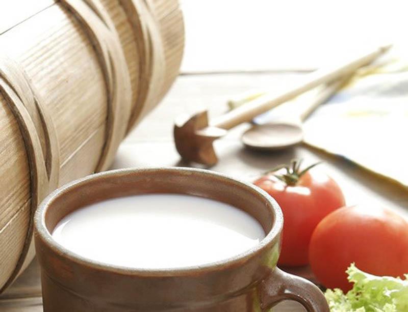 Sự kết hợp của sữa và cà chua giúptrị tàn nhang, nám