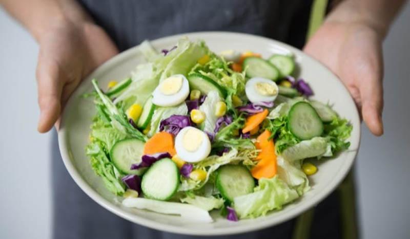 Bắp cải có thể giúp các mom giảm hẳn béo bụng sau sinh bằng nhiều cách khác nhau.
