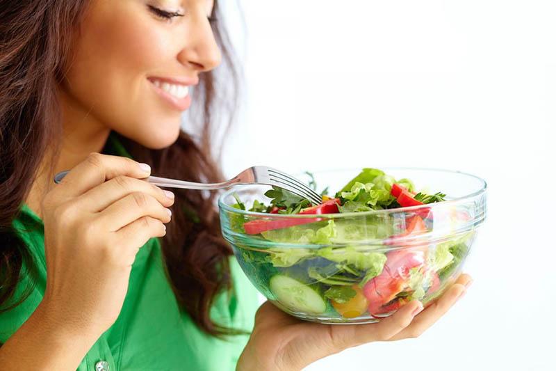 Ăn nhiều rau củ cũng giúp các bạn cảm thấy no lâu