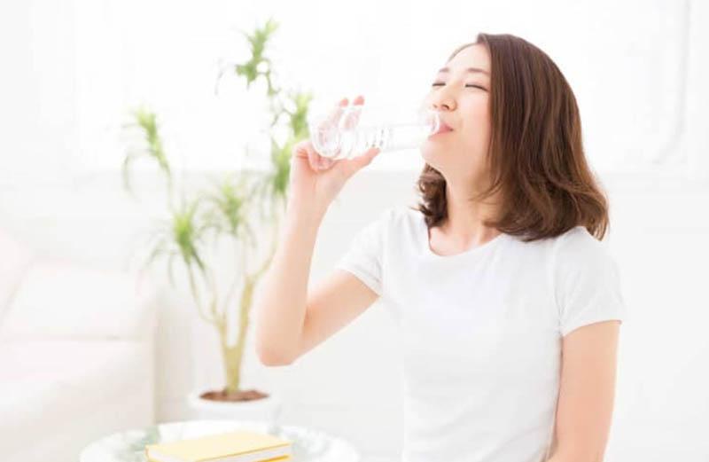 Nước giúp bạn cảm thấy no hơn