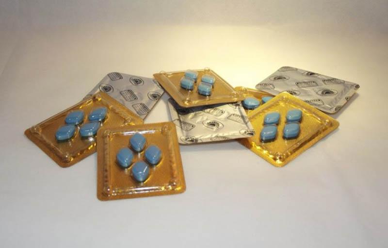 Viagra là tên của một loại thuốc cường dương thường được nam giới tin dùng và sử dụng.