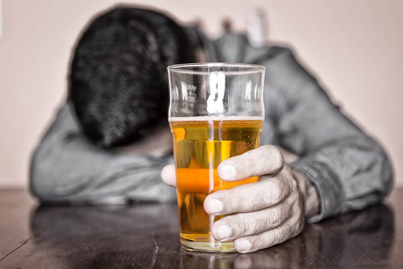 Có một số loại thuốc khi dùng chung với thức ăn, bia rượu sẽ xảy ra tương tác.