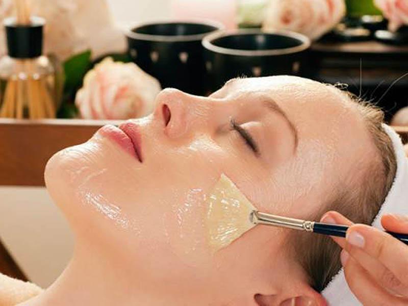 Có tác dụng se khít lỗ chân lông, trị mụn, trị tan nhang, trăng hồng, mịn màng