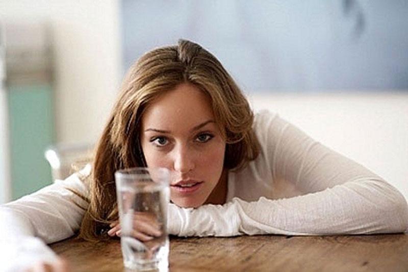 Ít uống nước chính là nguyên nhân gây sỏi thận cao nhất