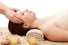 Cách chăm sóc da mặt bằng sữa ong chúa hiệu quả