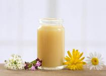 Sữa ong chúa – Thần dược giúp bảo vệ làn da khỏe đẹp