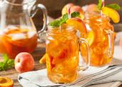 Lợi ích không ngờ của trà đào với sức khỏe trẻ em